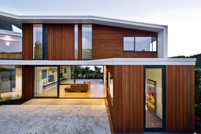 Korokoro House with expansive views over Wellington Harbour New Zealand (3)