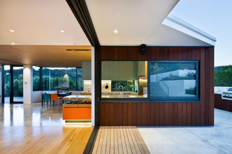 Korokoro House with expansive views over Wellington Harbour New Zealand (4)
