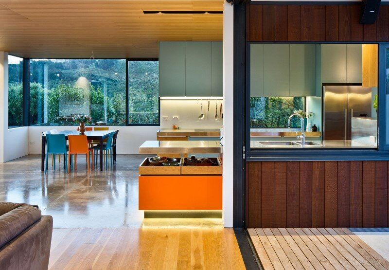 Korokoro House with expansive views over Wellington Harbour New Zealand (7)