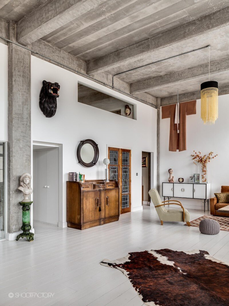 London apartment with industrial and retro features (3)