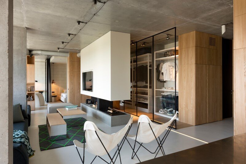 Penthouse with concrete partitions and ceiling and a glass-wall windows (4)