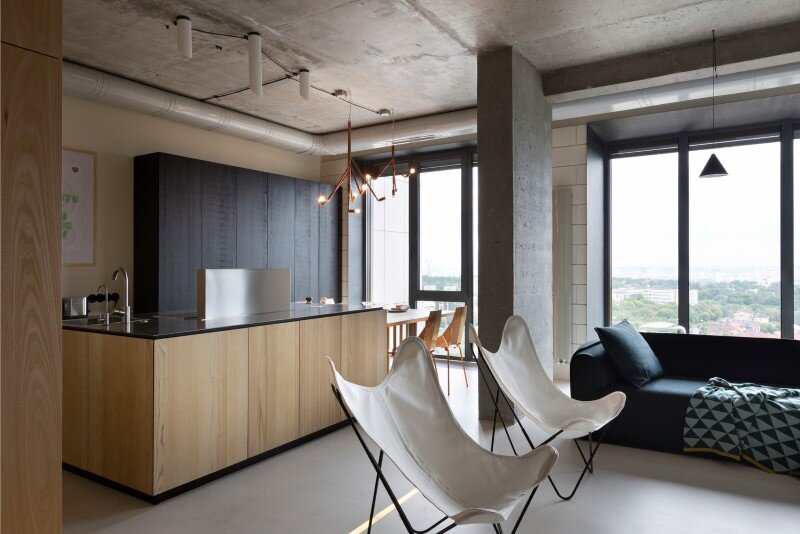 Penthouse with concrete partitions and ceiling and a glass-wall windows (8)