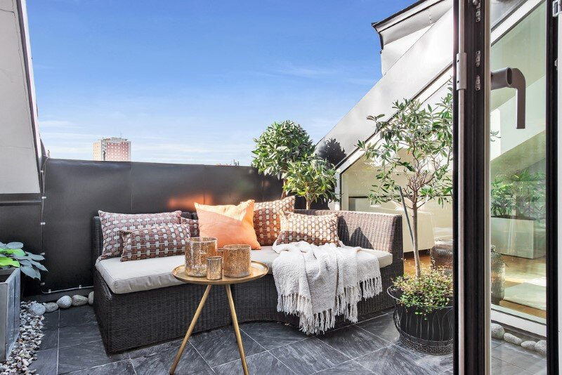 Scandinavian attic apartment with exceptional interior and sunny terraces (9)