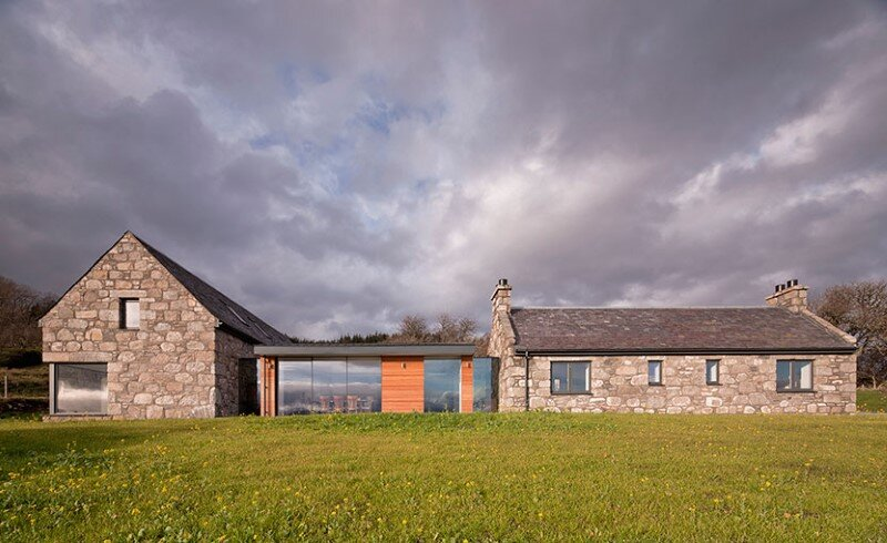 Scottish cottage nestled on a hillside with panoramic views (1)