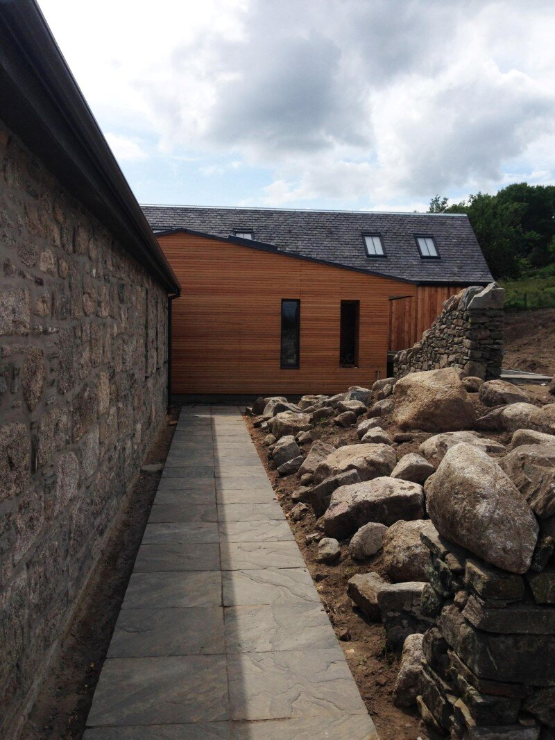 Scottish cottage nestled on a hillside with panoramic views (14)