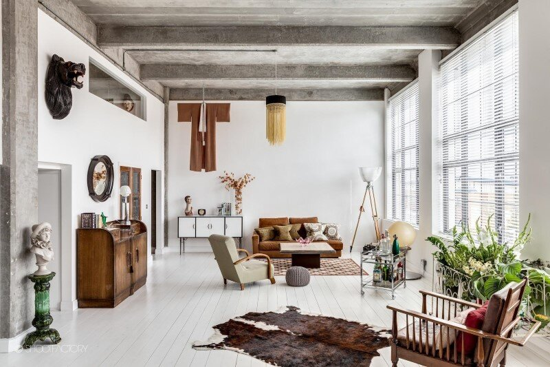 Spacious apartment with industrial and retro features (12)