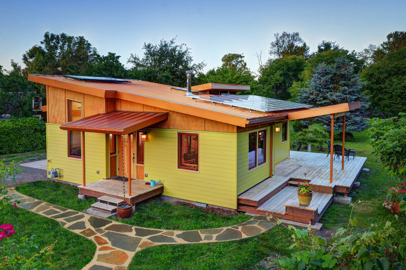 Sustainable hybrid timber-frame Mini Home with playful design (4)
