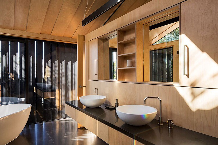 Takapuna House - Boatsheds by Strachan Group Architects (14)