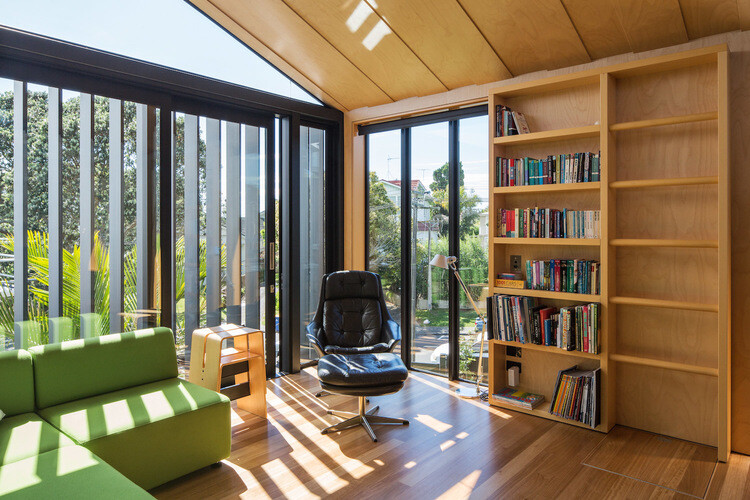 Takapuna House - Boatsheds by Strachan Group Architects (6)