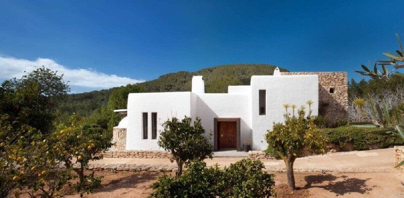 Vacation house in Ibiza with interiors designed by TG Studio (5)