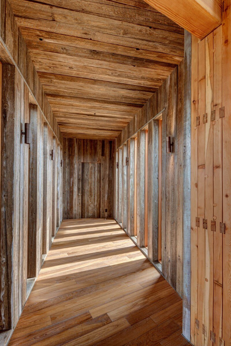 Wolf Creek Ranch - Log Home with traditional ranch architecture (11)