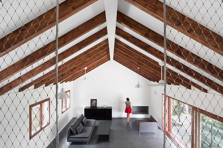 Contemporary Vernacular: a holiday house in the South-East of Corsica 6