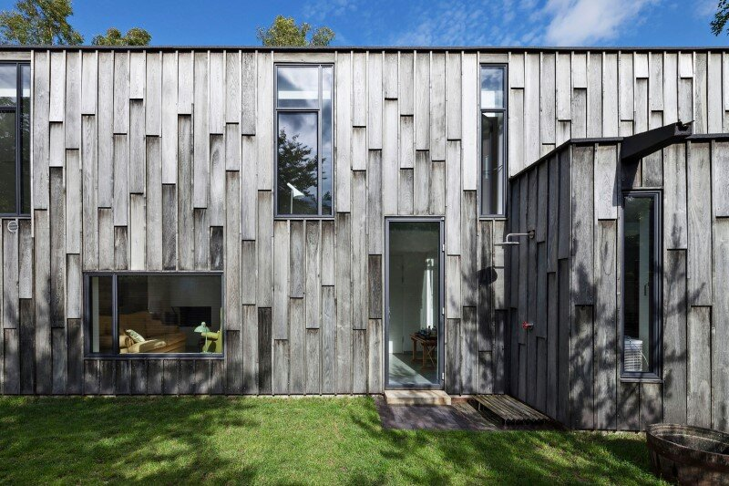Architectural oak facade which offers an attractive look Forest House (3)