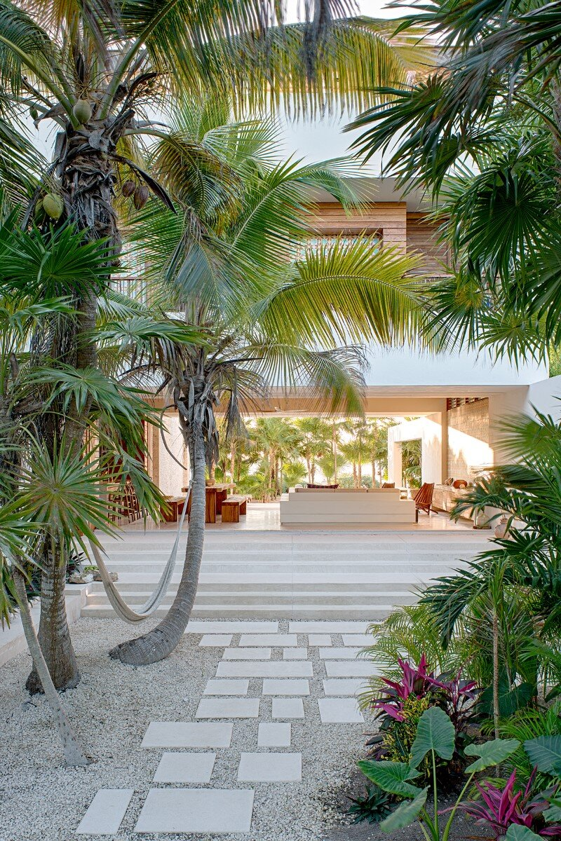 Beachfront private house on a protected bay in Tulum, Mexico (12)