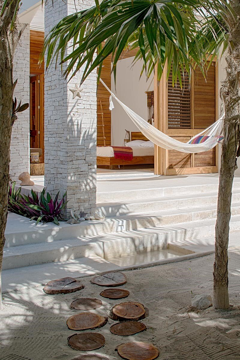 Beachfront private house on a protected bay in Tulum, Mexico (14)
