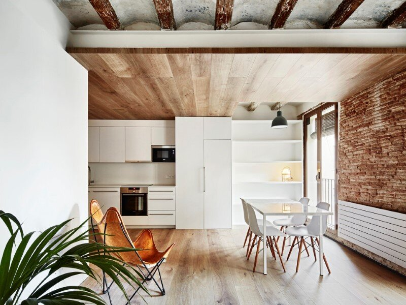 Borne apartments - modern décor combined with original wooden beams (9)