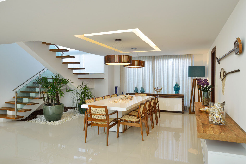 Contemporary Beach House with Nautical Theme (7)