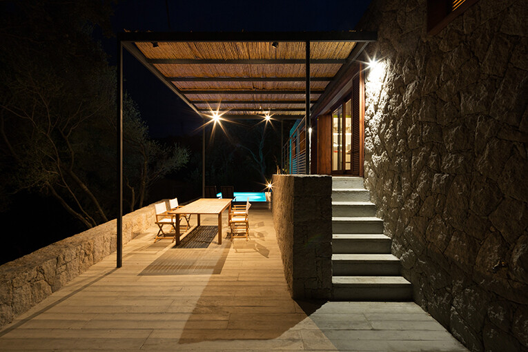 Contemporary Vernacular a holiday house in the South-East of Corsica (6)