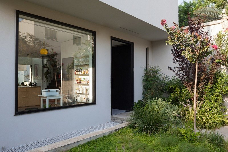 Cozy townhouse in Tel Aviv Mendelkern Residence by David Lebenthal (15)
