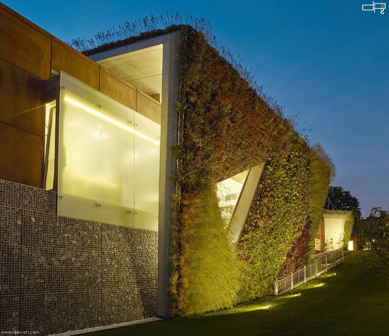 Eco friendly house design - Villa Jewel Box with an multifaceted garden outer shell (4)