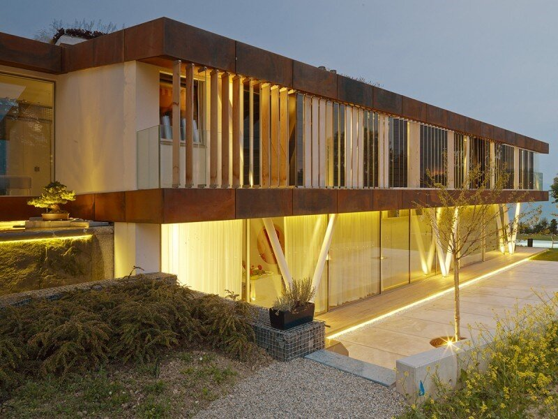 Eco friendly house design - Villa Jewel Box with an multifaceted garden outer shell (8)