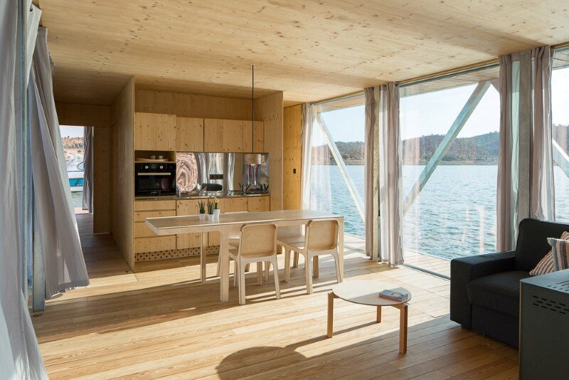 Floating House - a mobile house in the middle of a lake (5)