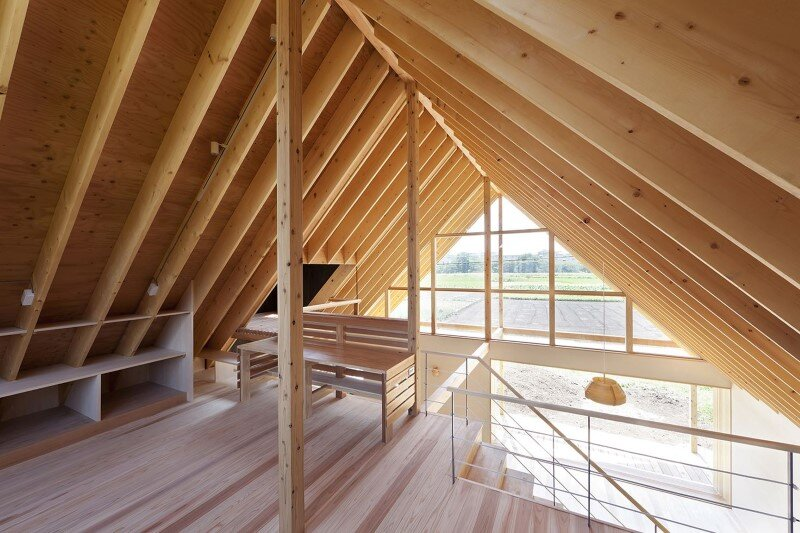 Kawagoe House is a Spacious Room Under a Large Gabled Roof (1)