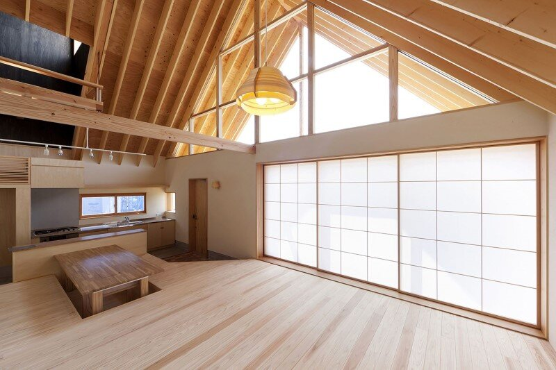 Kawagoe House is a Spacious Room Under a Large Gabled Roof (2)