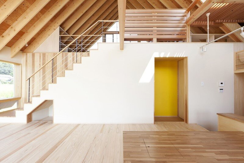 Kawagoe House is a Spacious Room Under a Large Gabled Roof (4)
