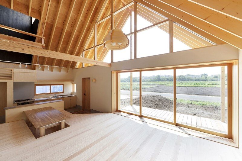 Kawagoe House is a Spacious Room Under a Large Gabled Roof (6)