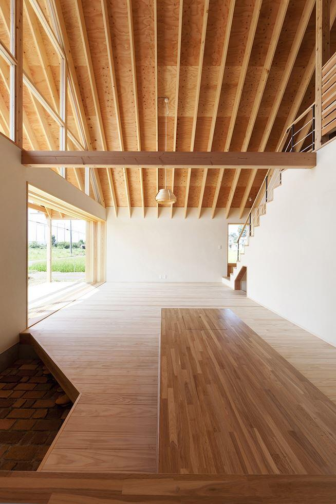 Kawagoe House is a Spacious Room Under a Large Gabled Roof (7)