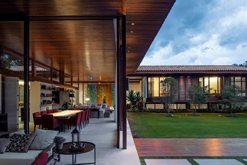 Modern country house with a Brazilian farm look (5)