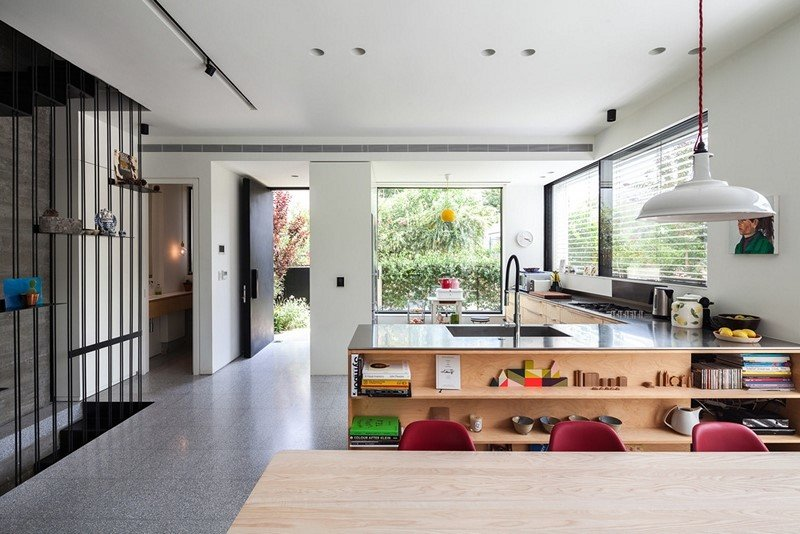 Modern townhouse in Tel Aviv Mendelkern Residence by David Lebenthal (5)