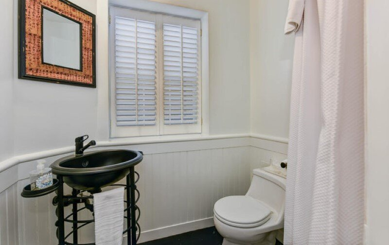 Renovated 1850s firehouse with preserving the original architectural elements (7)