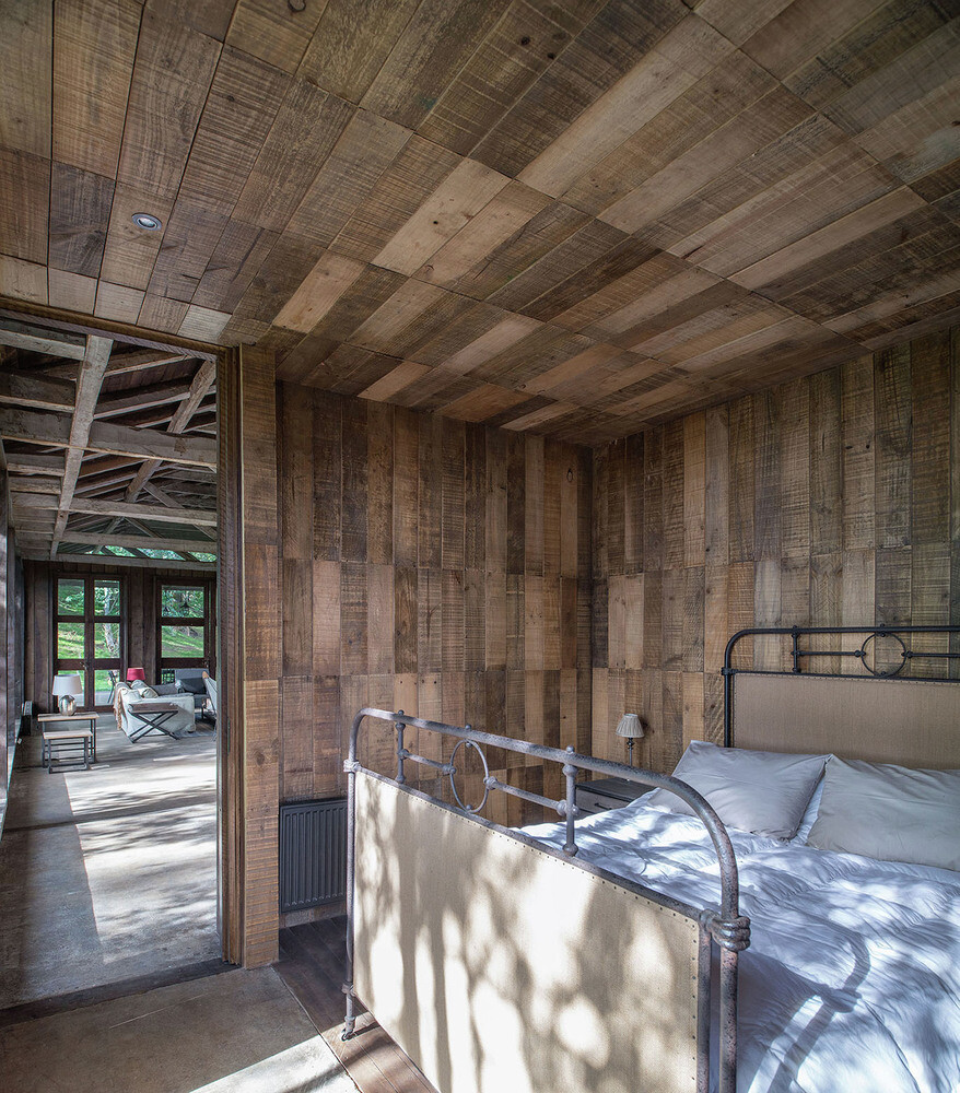 Shed house at Lake Ranco - recycled and converted old barn materials in summer cottage (13)