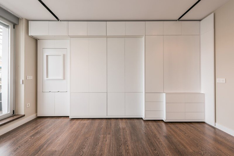 Stella House - optimal use of space by using a motorized movable wall (11)