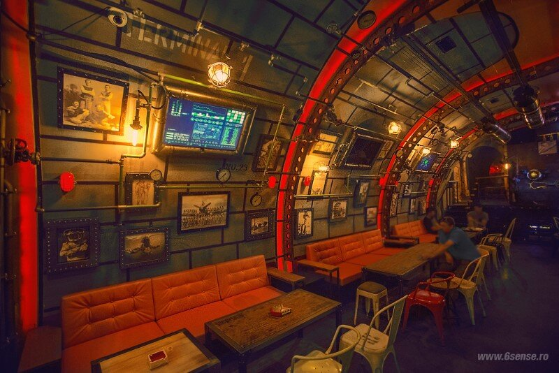 Submarine Pub Designed in Industrial Style with Steampunk Features (15)