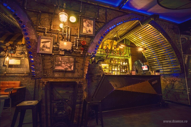 Submarine Pub Designed in Industrial Style with Steampunk Features (4)