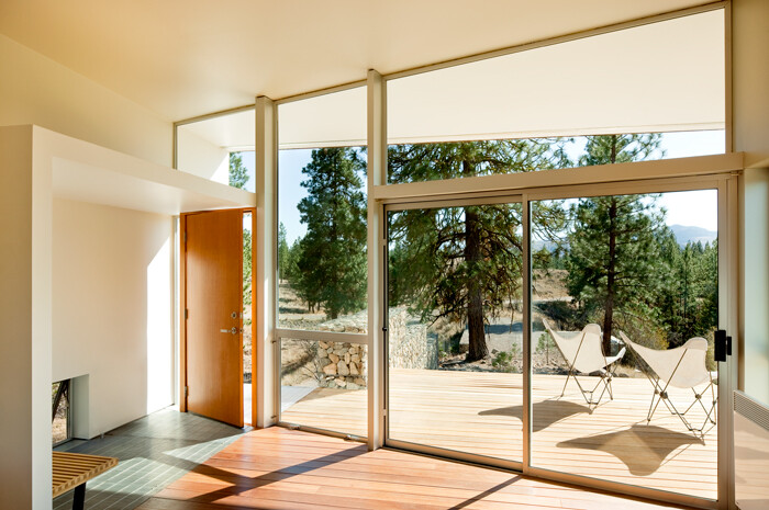 Sustainable Hill Home - a big presence in a big landscape (13)
