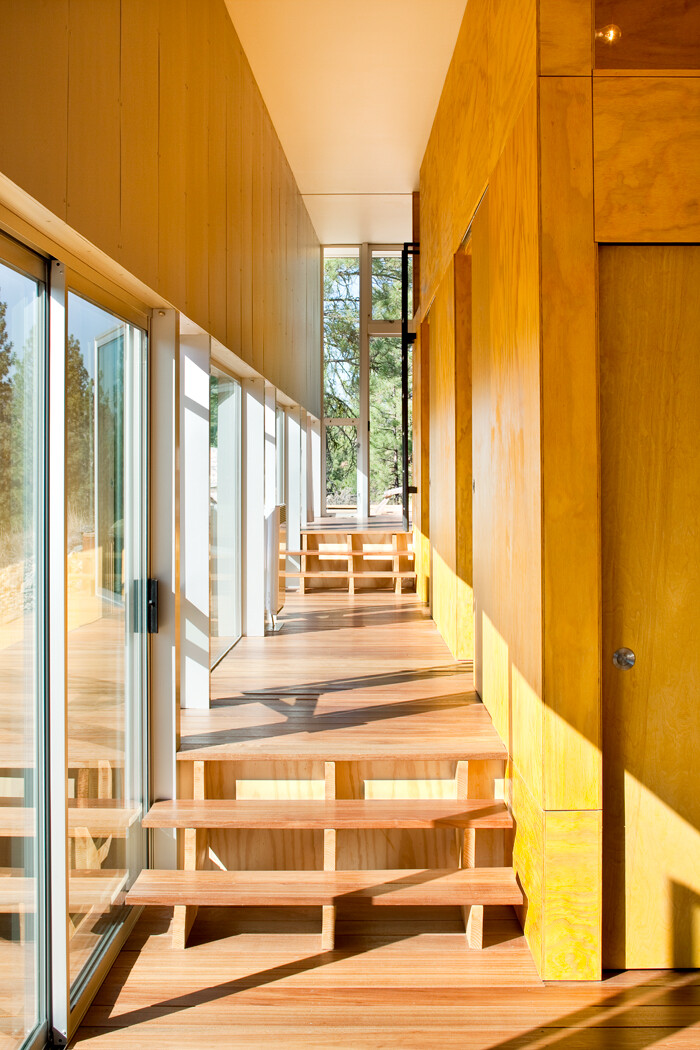 Sustainable Hill House - a big presence in a big landscape (9)