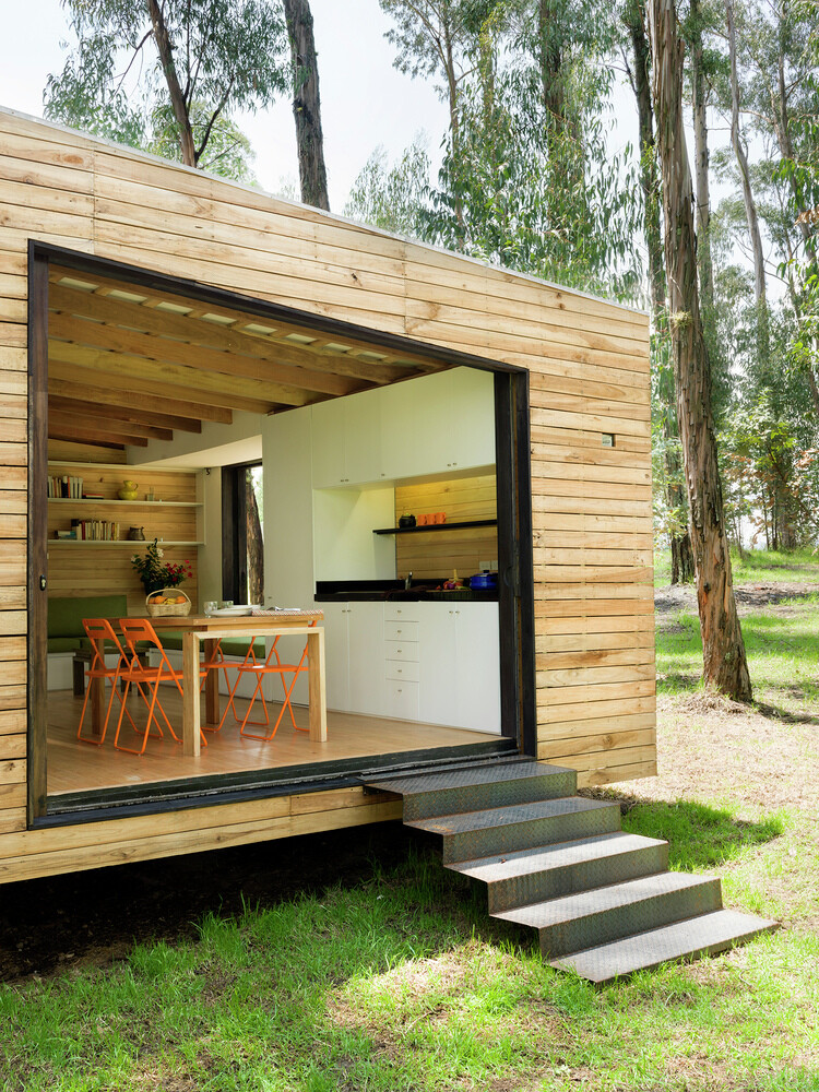 House with low footprint and high energy efficiency (17)