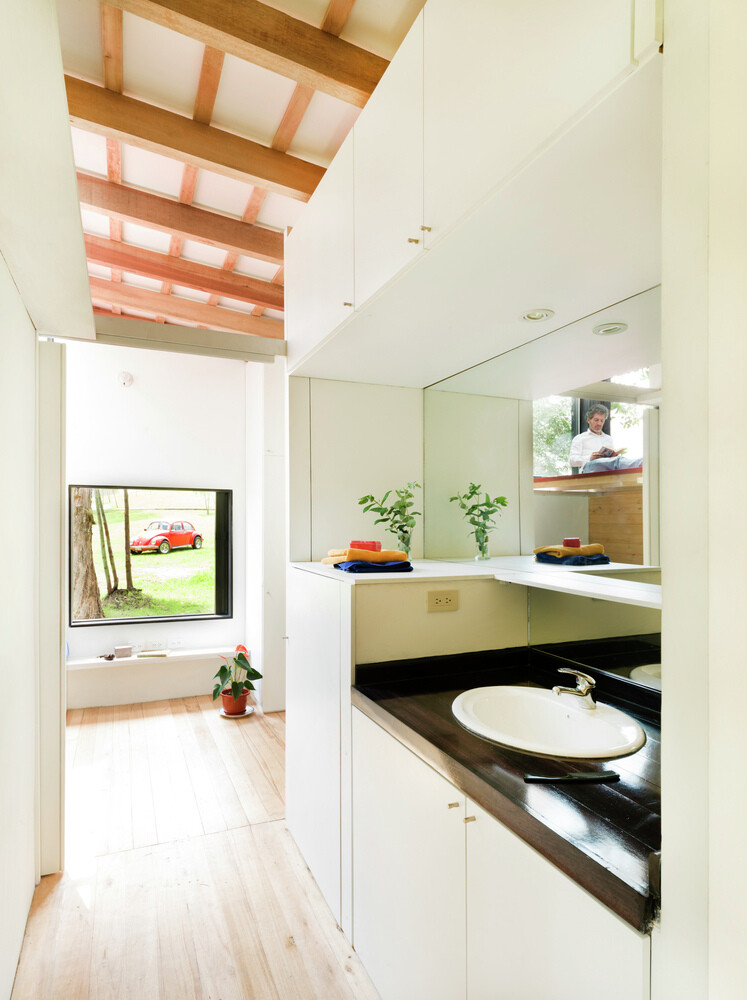 Sustainable housing prototype - House with low footprint and high energy efficiency (18)
