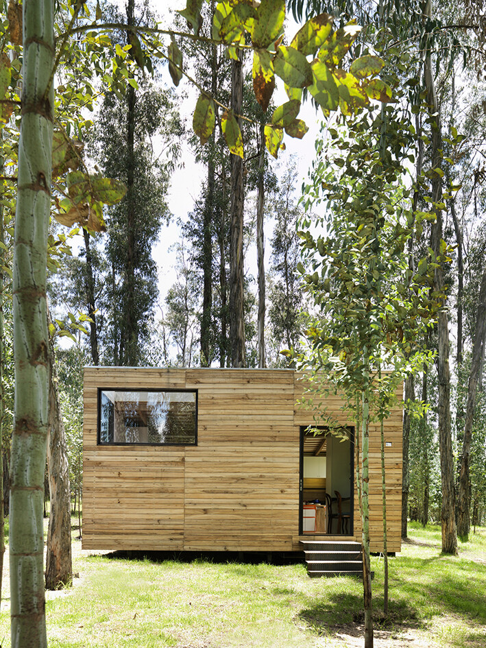 Sustainable housing prototype - House with low footprint and high energy efficiency (8)