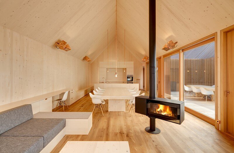 Wohnhaus aus Holz wooden-frame house heated by a geothermal heat pump (11)