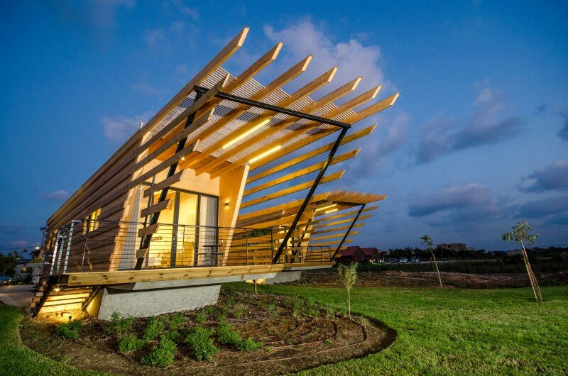 Wooden bungalows built with prefabricated elements (1)
