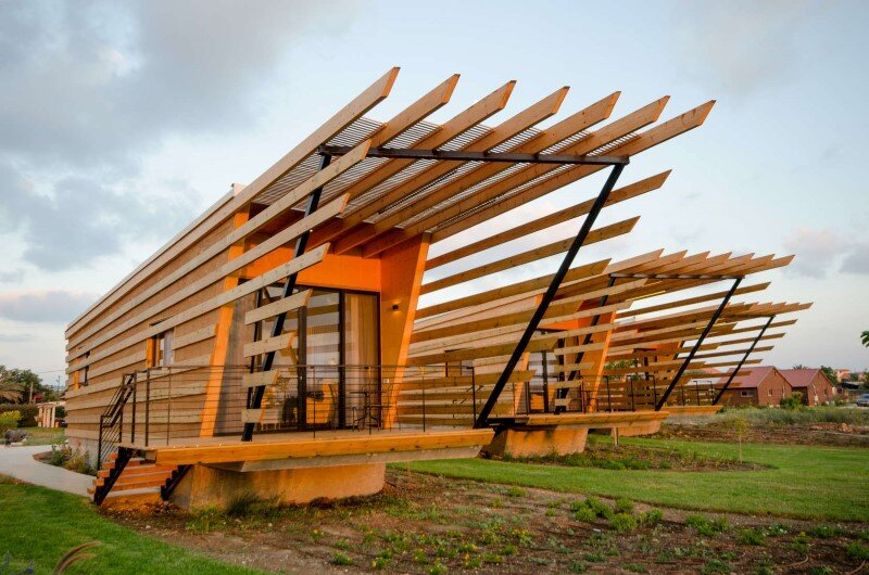 Wooden huts built with prefabricated elements (5)