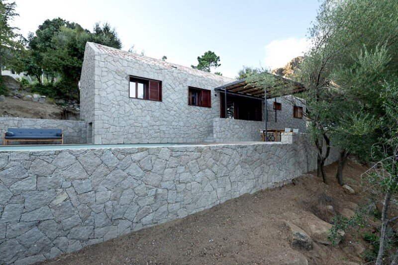 Contemporary Vernacular: a holiday house in the South-East of Corsica 9
