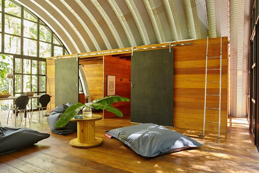 ARCA House is Like a Ship in the Middle of the Brazilian Atlantic Forest 2