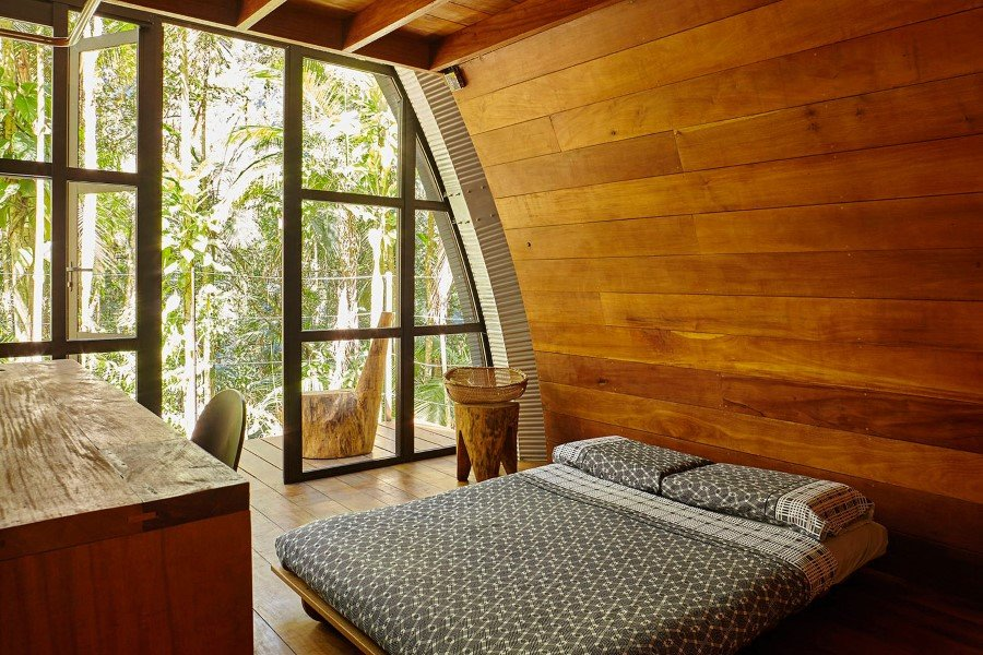 ARCA House is Like a Ship in the Middle of the Brazilian Atlantic Forest 7