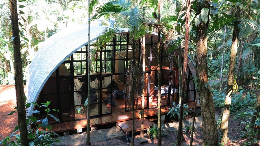 ARCA House is Like a Ship in the Middle of the Brazilian Atlantic Forest (20)